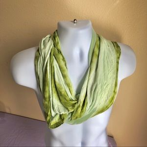 Old Navy Infinity scarf ombré green